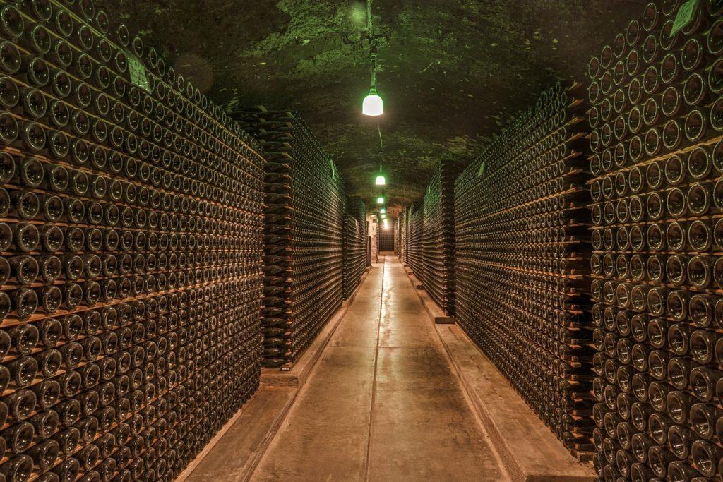 photo d'une cave à vin pouvant servir à la défiscalisation en GFV